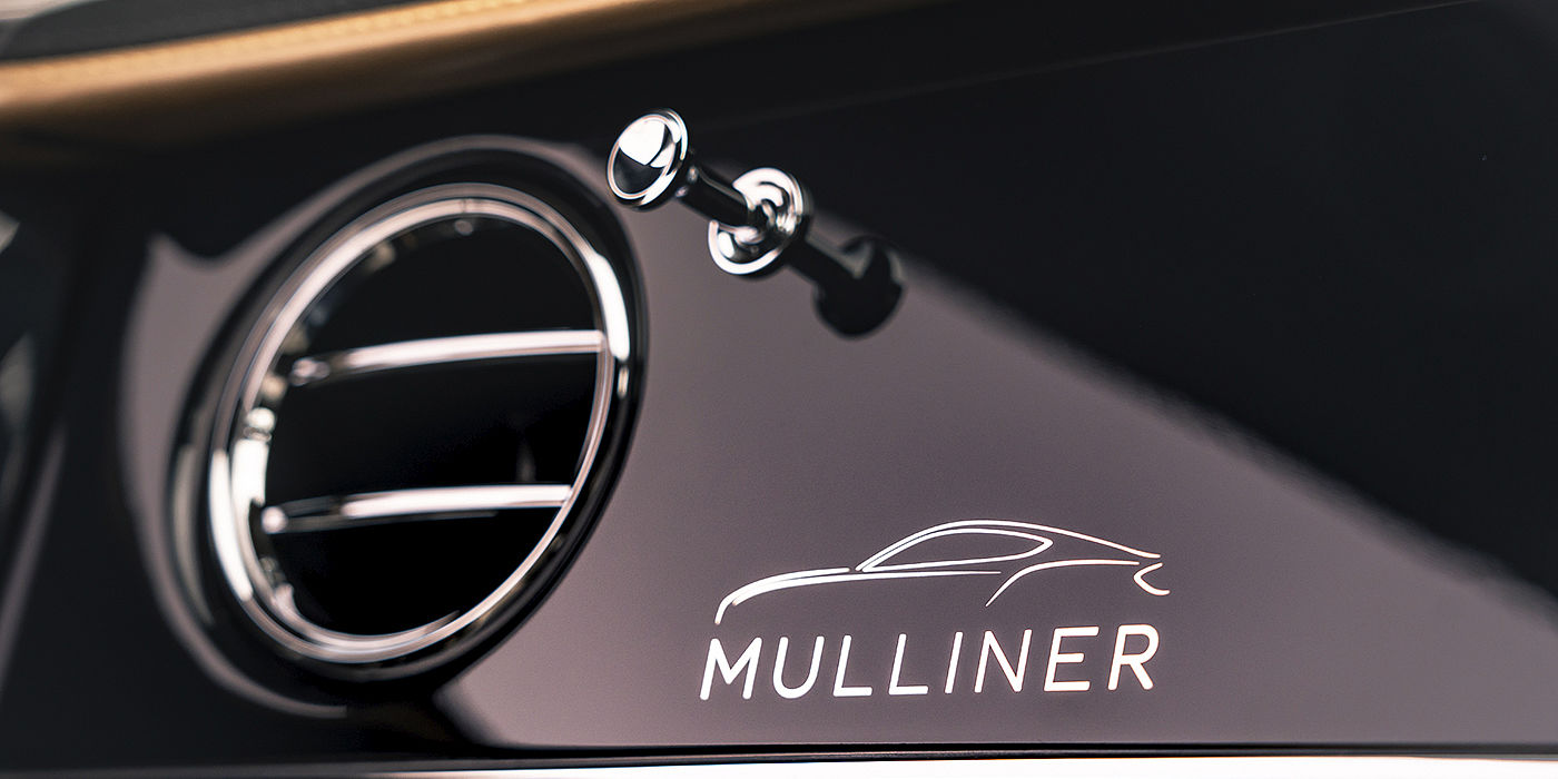 Bentley-Continental-GT-Mulliner-with-Mulliner-signature-on-Piano-Black-veneer